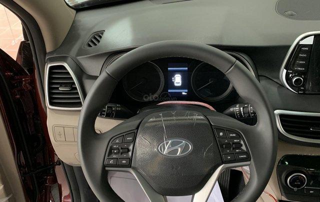 Hyundai Tucson giá bán cạnh tranh, quà tặng khuyến mãi phụ kiện giá trị thật9