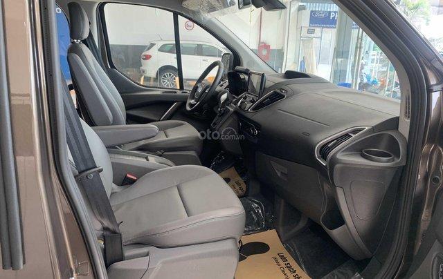 Bán xe Ford Tourneo 2019 màu nâu, giá cạnh tranh5