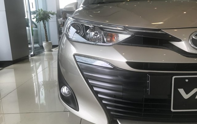 515 triệu, có ngay chiếc Toyota Vios 1.5E CVT sản xuất 2019, màu bạc1