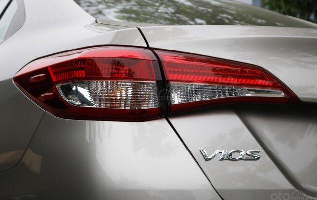 515 triệu, có ngay chiếc Toyota Vios 1.5E CVT sản xuất 2019, màu bạc5