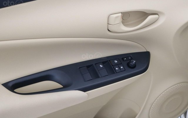 515 triệu, có ngay chiếc Toyota Vios 1.5E CVT sản xuất 2019, màu bạc12