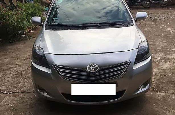Bán Toyota Vios 1.5E sản xuất 2012, màu bạc xe còn mới nguyên0