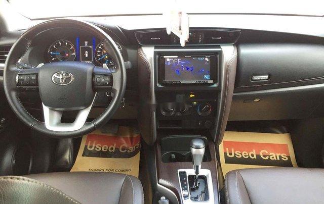 Cần bán gấp Toyota Fortuner năm sản xuất 2019, màu bạc, nhập khẩu nguyên chiếc 2