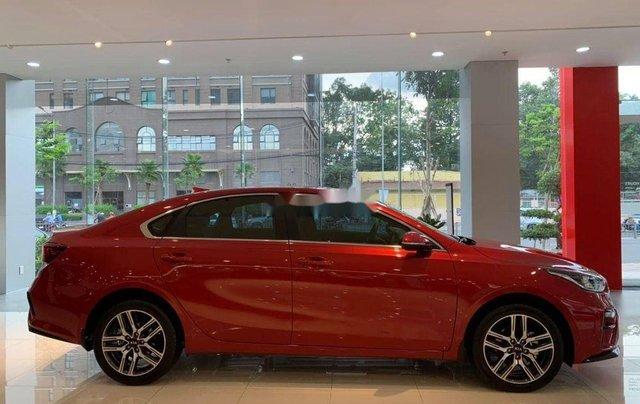 Cần bán Kia Soluto AT sản xuất năm 2019, màu đỏ, giá tốt3