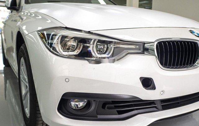 Bán xe BMW 320i năm sản xuất 2018, màu trắng, xe nhập1