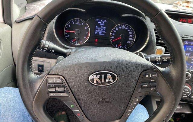 Cần bán lại xe Kia K3 sản xuất 2016, màu trắng còn mới6