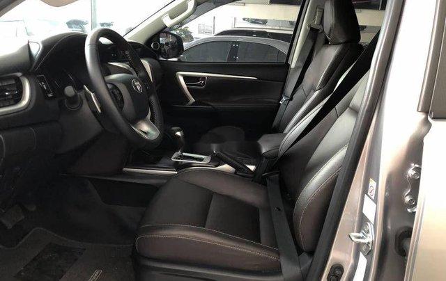 Bán xe Toyota Fortuner đời 2019, màu bạc3