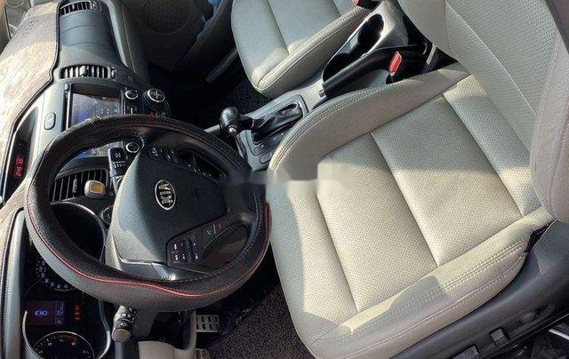 Cần bán lại xe Kia K3 sản xuất 2016, màu trắng còn mới4