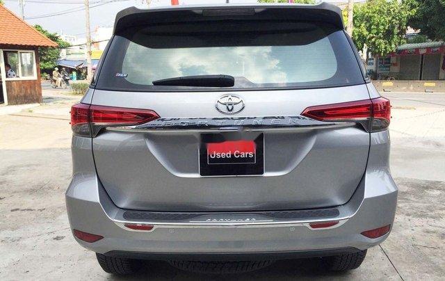 Cần bán gấp Toyota Fortuner năm sản xuất 2019, màu bạc, nhập khẩu nguyên chiếc 10