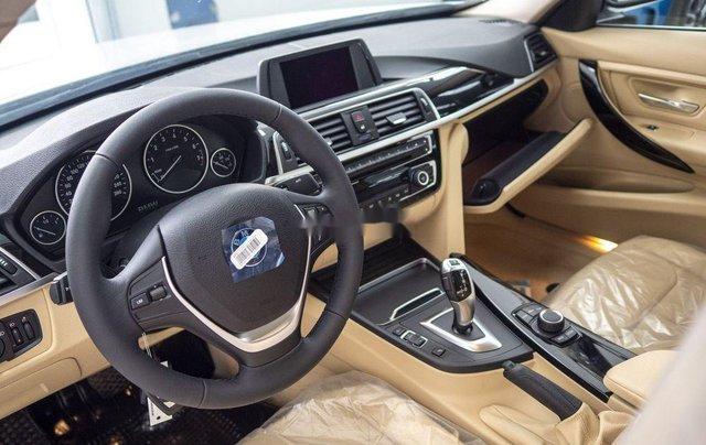 Bán xe BMW 320i năm sản xuất 2018, màu trắng, xe nhập4