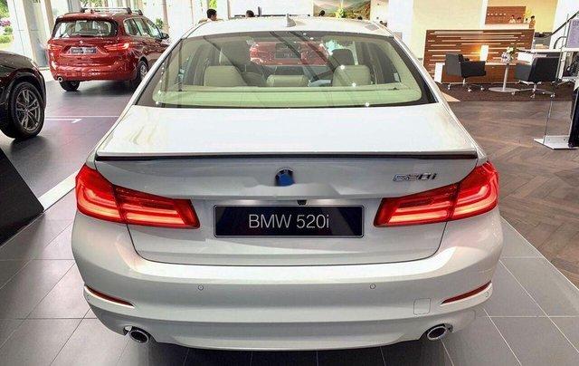 Bán xe BMW 520i sản xuất 2019, màu trắng, nhập khẩu nguyên chiếc4