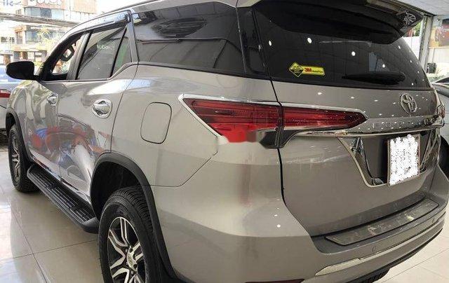 Bán xe Toyota Fortuner đời 2019, màu bạc1