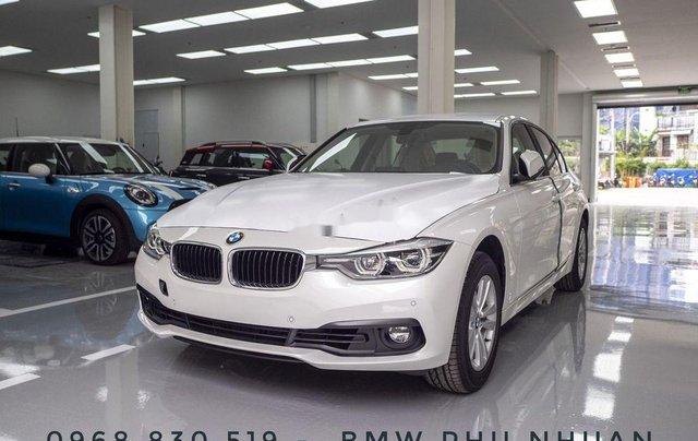 Bán xe BMW 320i năm sản xuất 2018, màu trắng, xe nhập7
