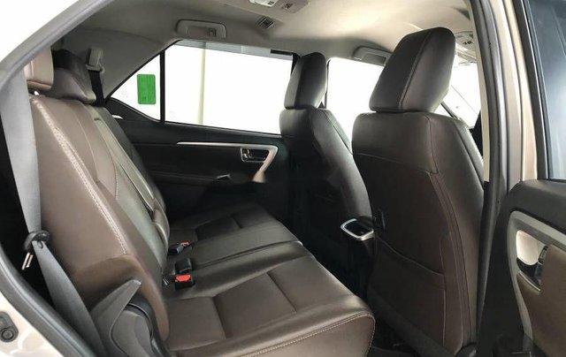Bán xe Toyota Fortuner đời 2019, màu bạc4