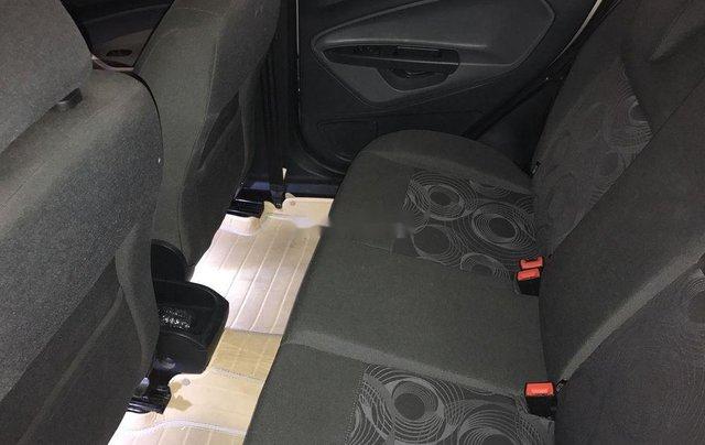 Cần bán xe Ford Fiesta đời 2012, màu vàng còn mới7