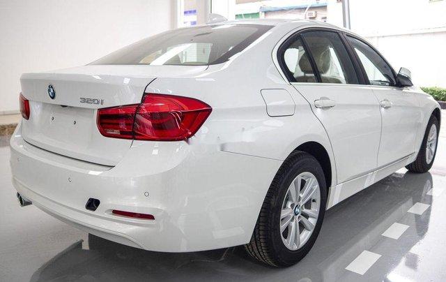Bán xe BMW 320i năm sản xuất 2018, màu trắng, xe nhập6