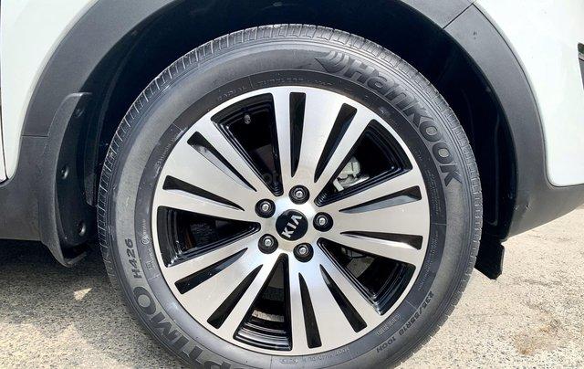 Bán xe Kia Sportage model 2015, bản full, mới 95%9