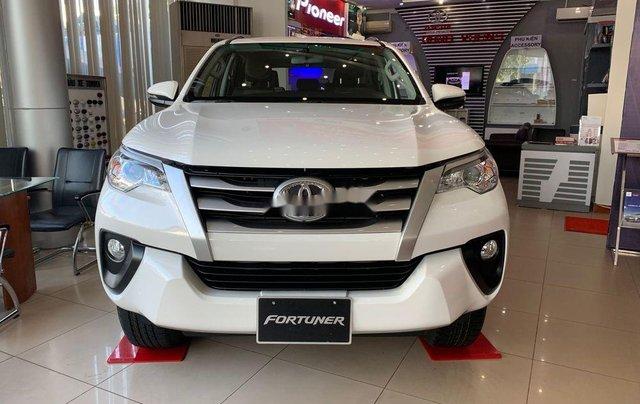Bán Toyota Fortuner đời 2019, màu trắng, mới 100%, giao ngay0
