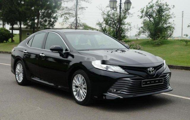 Bán xe Toyota Camry đời 2019, màu đen, nhập khẩu. Giao xe ngay0