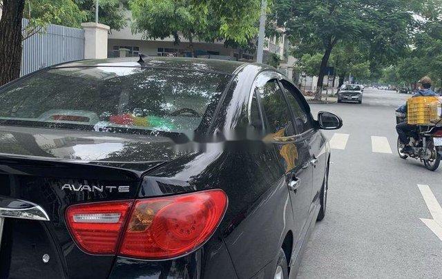Cần bán gấp Hyundai Avante năm sản xuất 2012, màu đen còn mới2