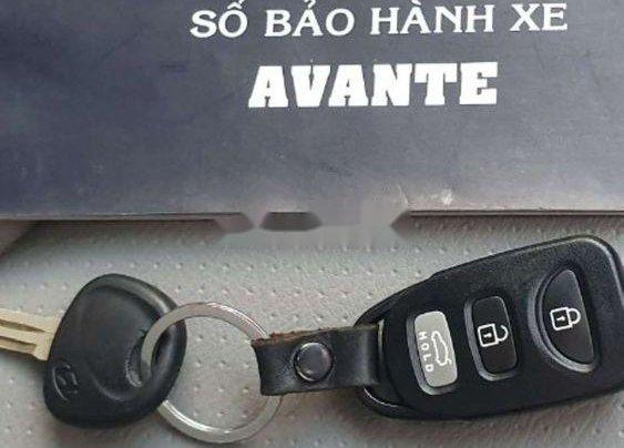 Cần bán Hyundai Avante năm 2011, nhập khẩu nguyên chiếc, giá 335tr3