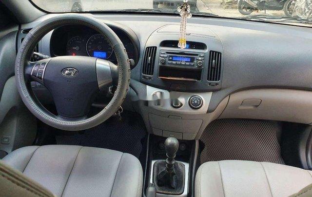 Cần bán Hyundai Avante năm 2011, nhập khẩu nguyên chiếc, giá 335tr4