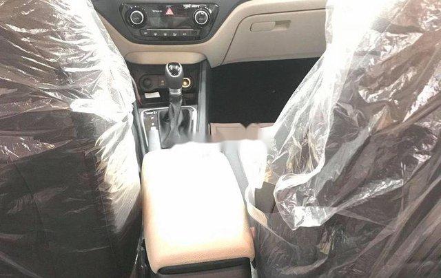 Cần bán xe Hyundai Accent đời 2019, màu trắng, xe nhập1