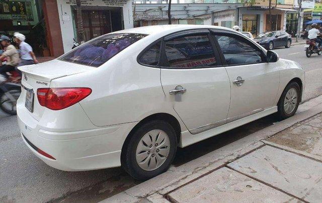 Cần bán Hyundai Avante năm 2011, nhập khẩu nguyên chiếc, giá 335tr0