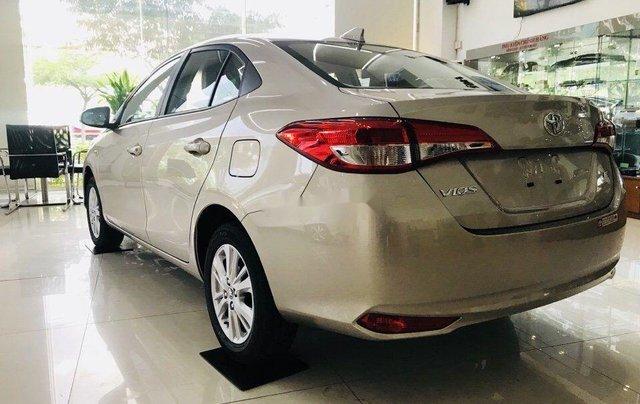 Cần bán Toyota Vios sản xuất năm 2019, màu vàng cát2