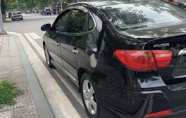 Cần bán gấp Hyundai Avante năm sản xuất 2012, màu đen còn mới3