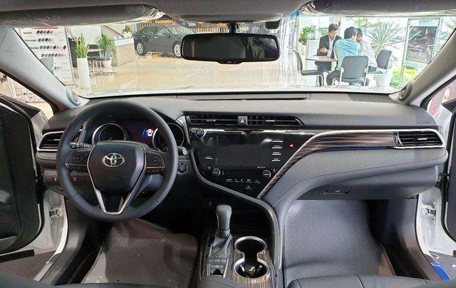 Bán xe Toyota Camry 2019, màu trắng, nhập khẩu nguyên chiếc4