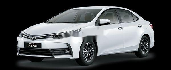 Bán Toyota Corolla Altis sản xuất năm 2018, màu trắng1