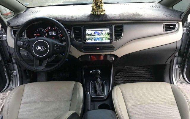 Bán Kia Rondo năm sản xuất 2017, màu bạc còn mới, giá chỉ 579 triệu4
