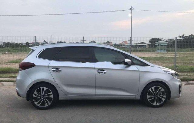 Bán Kia Rondo năm sản xuất 2017, màu bạc còn mới, giá chỉ 579 triệu2