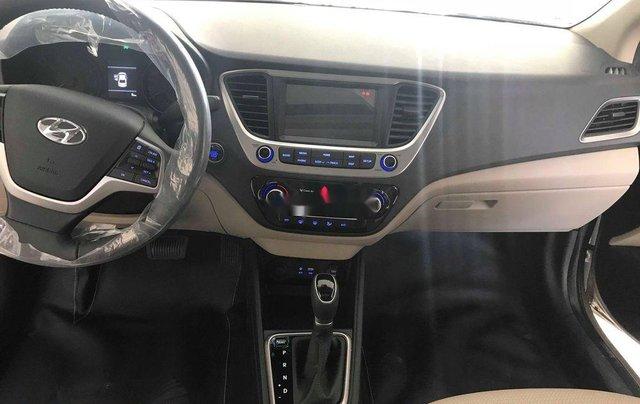 Cần bán xe Hyundai Accent đời 2019, màu trắng, xe nhập2