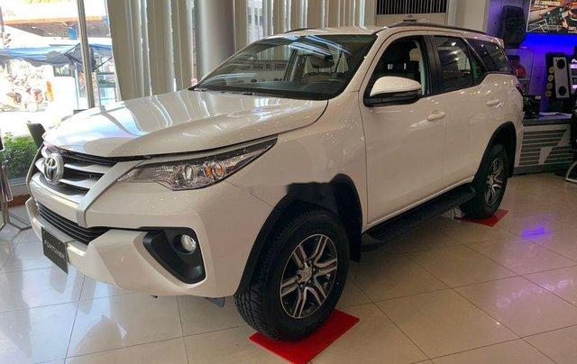 Bán Toyota Fortuner đời 2019, màu trắng, mới 100%, giao ngay1