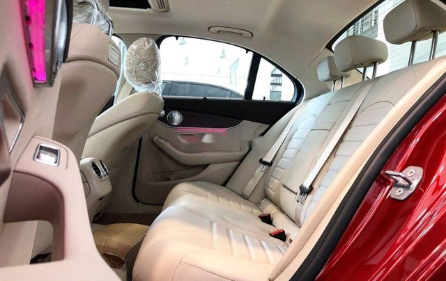 Bán Mercedes C200 đời 2019, tặng thuế trước bạ và bảo hiểm4