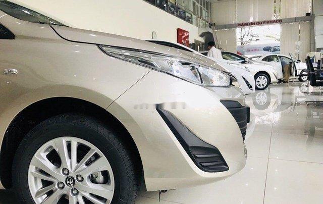 Cần bán Toyota Vios sản xuất năm 2019, màu vàng cát1
