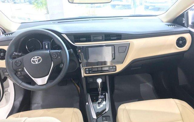 Bán Toyota Corolla Altis năm 2019, màu trắng4