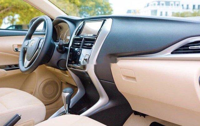 Bán xe Toyota Corolla Altis đời 2019, màu đen, mới 100%4
