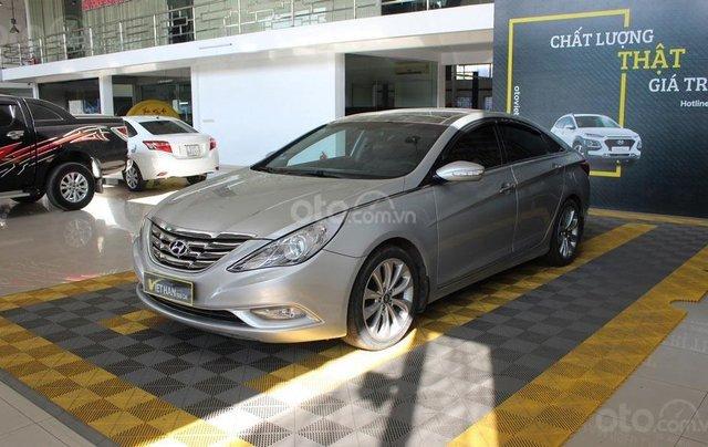 Bán xe Hyundai Sonata 2.0AT 2012, màu bạc, nhập khẩu nguyên chiếc0