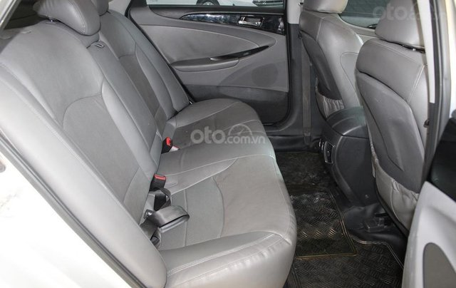 Bán xe Hyundai Sonata 2.0AT 2012, màu bạc, nhập khẩu nguyên chiếc7