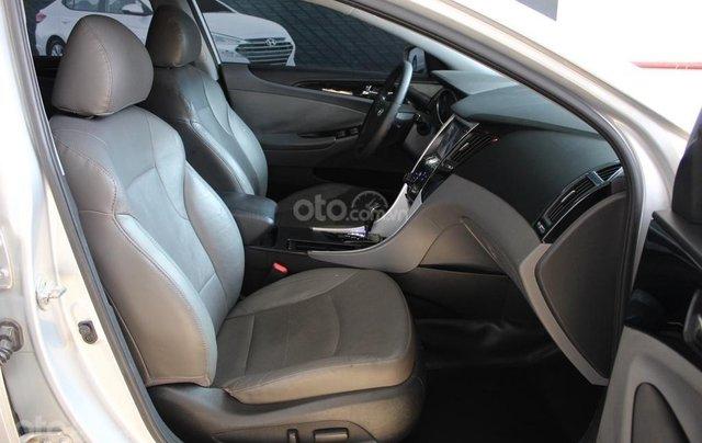 Bán xe Hyundai Sonata 2.0AT 2012, màu bạc, nhập khẩu nguyên chiếc6