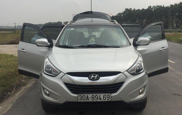 Bán xe Hyundai Tucson sản xuất 2014, màu bạc còn mới giá 670 triệu đồng3