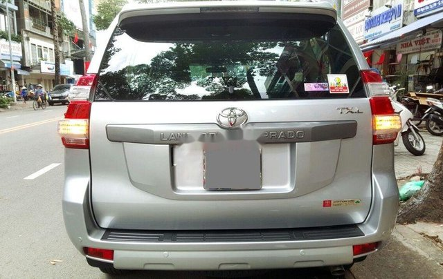 Cần bán gấp Toyota Prado 2014, màu bạc, nhập khẩu nguyên chiếc4