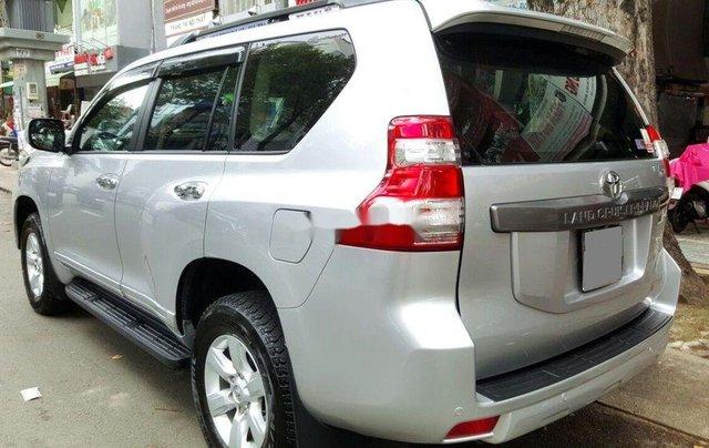 Cần bán gấp Toyota Prado 2014, màu bạc, nhập khẩu nguyên chiếc2