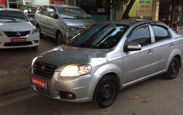 Cần bán lại xe Daewoo Gentra đời 2011, màu bạc còn mới6