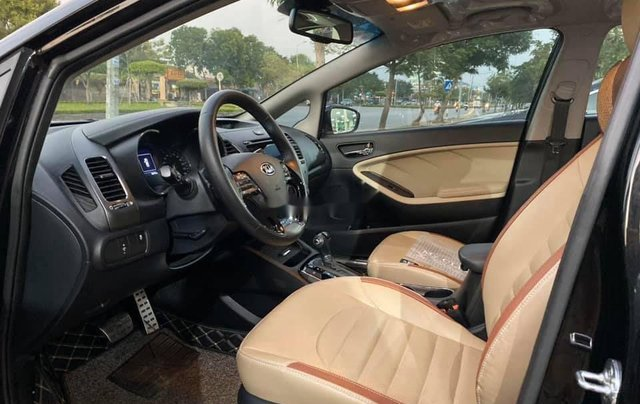 Cần bán gấp Kia Cerato đời 2018, màu đen như mới8