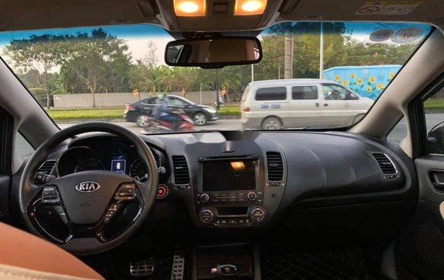 Cần bán gấp Kia Cerato đời 2018, màu đen như mới7