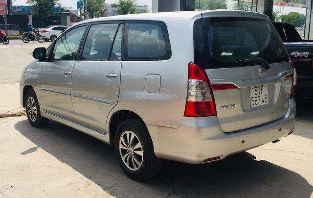 Bán xe Toyota Innova 2.0E 2016, màu bạc, xe bán tại hãng có bảo hành4